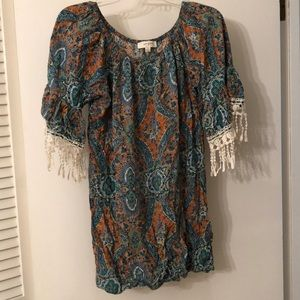 Umgee.  Tunic, size small,  very cute 🎀